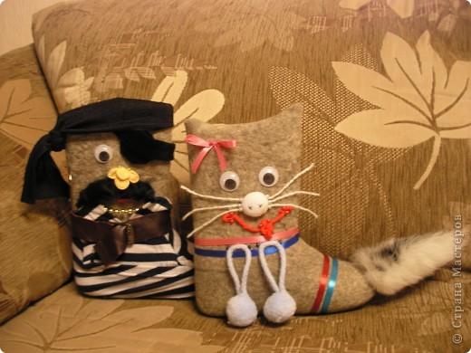 Пират и кошечка сделаны по случаю праздника валенка в Д\С фото 1