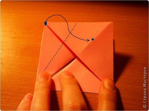 """Кусудама """"Электра"""". Автор David Mitchell Для работы приготовьте квадраты со стороной 75мм. Хорошо подходят стикеры двух цветов (http://stranamasterov.ru/node/16443) по 60 квадратов разного цвета.  фото 8"""