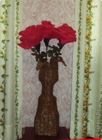 Вот и мои гигантские розы в газетном вазоне фото 1