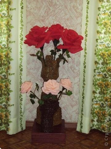Вот и мои гигантские розы в газетном вазоне фото 2