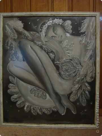 Здраствуйте. Извените что сразу не указала мастера замечательных картин. Ето моя первая работа в этой технике поетому я делала копию чтобы прочуствовать что это такое батик.  работы Соколовой Надежды меня очень -очень вдохновили. Огромное ей спасибо за её творчество. Вот сылка  http://subscribe.ru/group/tsvetyi/322047/
