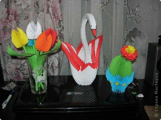 Кактус,лебедь и тюльпаны