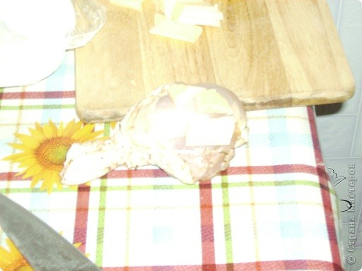 Фото немного неудачное, уже пришли гости, очень торопилась. Очень вкусно получается и всей моей семье нравится! Летом делаем с собой на природу, очень удобно и мясо и хлеб все вместе. фото 4