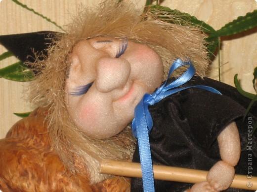 Маленькая ведьмочка по пути на Лысую гору прилегла отдохнуть... фото 2