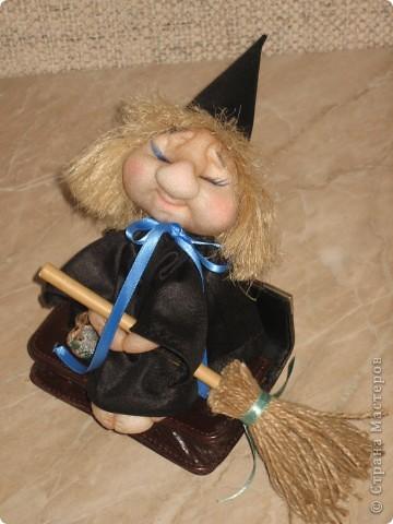 Маленькая ведьмочка по пути на Лысую гору прилегла отдохнуть... фото 4