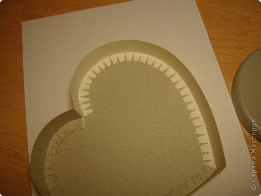 Эти коробочки можно сделать разной формы.К ближайшему празднику, Валентинову дню, у нас получились коробочки-сердечки. фото 6