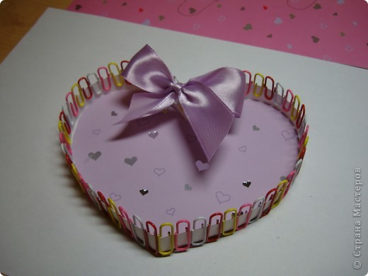 Эти коробочки можно сделать разной формы.К ближайшему празднику, Валентинову дню, у нас получились коробочки-сердечки. фото 10