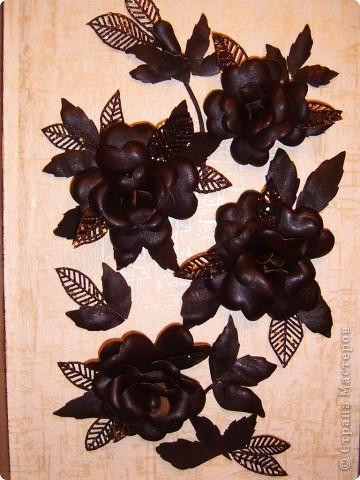 Это работа  моей мамы ,она сделала  панно из голенищ старой обуви .Пока  красота  без достойного обрамления фото 1