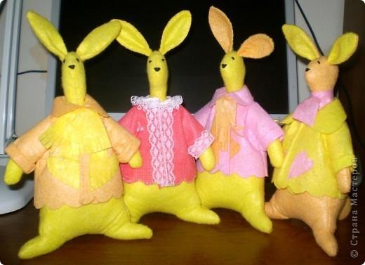 Первыми пошились эти зайцы. фото 2