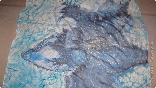 выполнено в смешанной технике : горячий батик с прописью акрилом фото 2