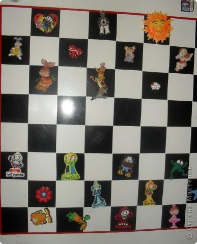 Вот так мы преобразили свой холодильник, сделав на нём магнитную шахматную доску фото 2