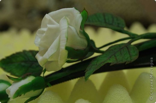 Эта заколка выполнена из холодного фарфора Craft Porcelain. фото 3