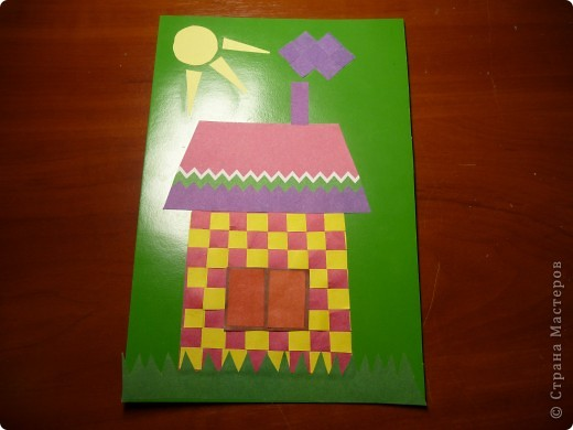 Сыну  к уроку технологии нужно было подготовить работу с использованием техники -  плетение из бумаги. Пройдя по страницам СТРАНЫ МАСТЕРОВ, мы увидели множество поделок, глаза разбежались... К сыну пришло вдохновение и вот результат...
