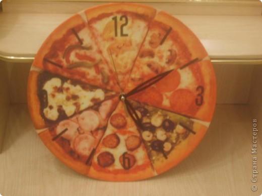 Часы. Основа- виниловая пластинка.  Фото не четкое.  фото 2