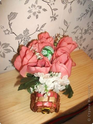 Готовлю подарок подруге к 8 марта. Хочу еще внутрь цветов положить конфетки)))) фото 2