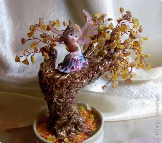 Янтарное дерево счастья с ангелом хранителем (его размер с подрастковую руку- дочь позировала) фото 1
