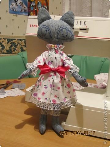 """Вот такую Мурку мы с дочкой сваяли за выходные дни.А оригинал тут: www.nkale.ru """" в каждой игрушке сердце"""". фото 5"""