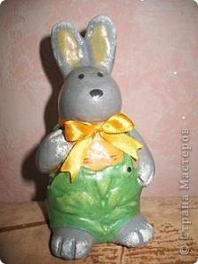 моя первая поделка - Зайчишка в капустных штанишках фото 1