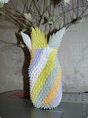 Ваза-модульное оригами.Веточки принесла с прогулки.Цветочки из бумажных салфеток.Научилась всему здесь на сайте,за это огромное спасибо много-много раз!!!!! фото 3