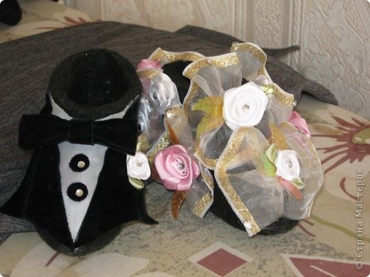 Очень оригинальный свадебный подарок для молодоженов сделан из валенок фото 1
