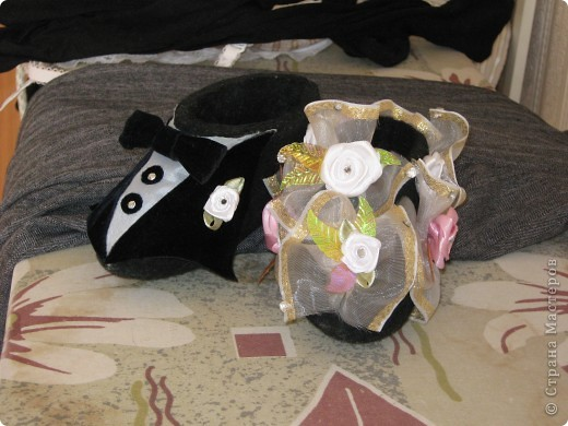 Очень оригинальный свадебный подарок для молодоженов сделан из валенок фото 2