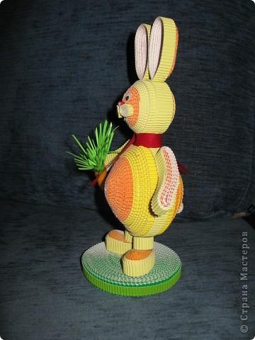 Зайчик с морковкой. фото 2