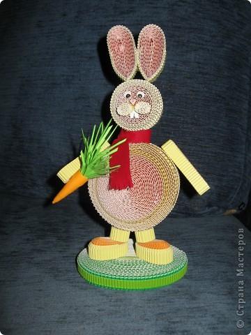 Зайчик с морковкой. фото 1