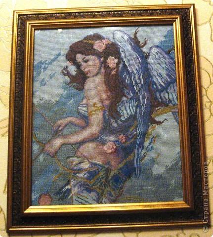 Я долго гадала: кто это и решила,что ангел любви.