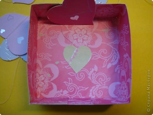 Существуют такие коробочки, которые открываешь и из них вылетают бабочки.А у меня сердечки, конечно не вылетают, но все же... фото 9