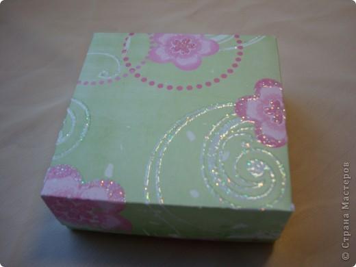 Существуют такие коробочки, которые открываешь и из них вылетают бабочки.А у меня сердечки, конечно не вылетают, но все же... фото 13