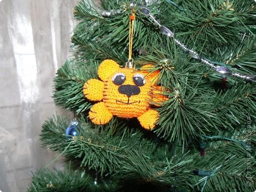 Тигрошарик на Новогодней ёлке!