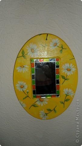 зеркало на деревянной основе фото 1