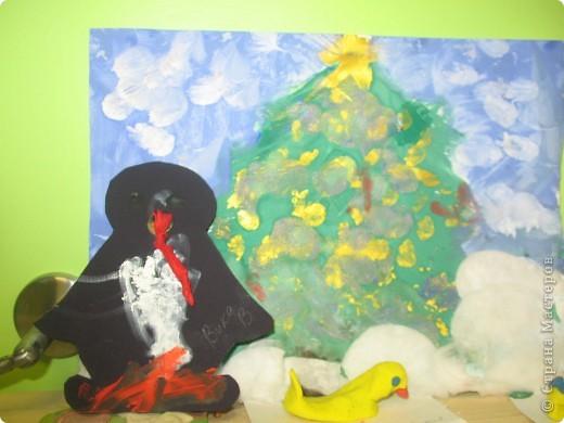 пингвин у елки фото 1