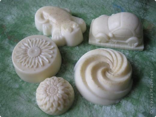 Детское мылом с эфирным маслом лаванды и измельченными овсяными хлопьями. фото 1
