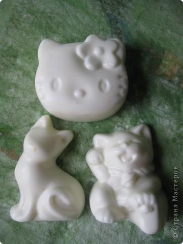 Детское мылом с эфирным маслом лаванды и измельченными овсяными хлопьями. фото 2