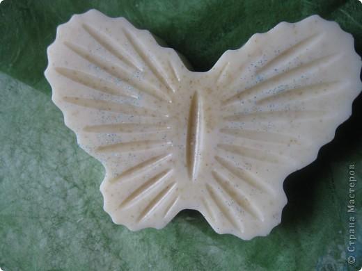 Детское мылом с эфирным маслом лаванды и измельченными овсяными хлопьями. фото 3