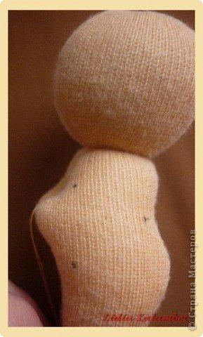Вот такие пупсики можно сделать из небольшого кусочка трикотажа. Никакой выкройки!  фото 12