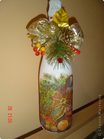 Первые попытки декорирования бутылок в подарок близким на Новый Год. фото 1