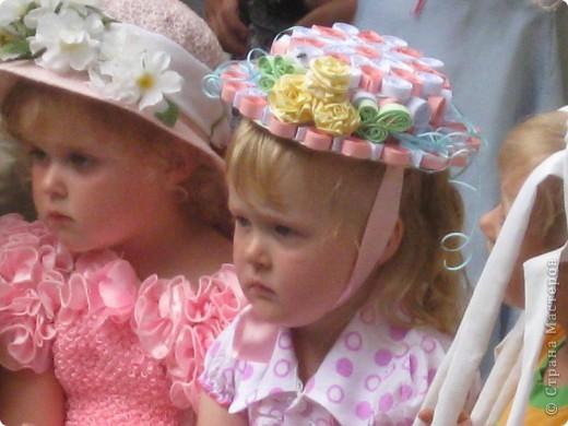 Эти шляпки я делала девочкам в садик на конкурс шляпок . фото 4