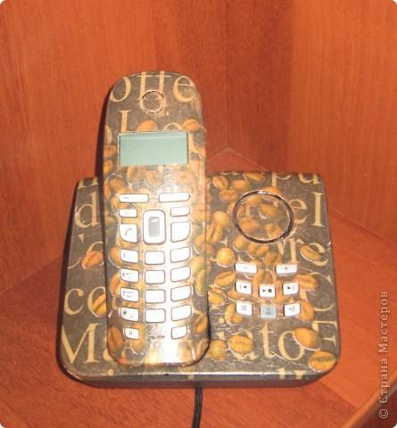 скучный черный телефон превратился в украшение интерьера фото 1