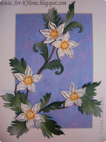 Очередная работа - фантазийные цветы. Листья выполнены из ханди. Фон - несколько слоев рисовой бумаги. фото 3