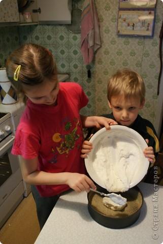 Мои дети очень любят творожную запеканку, и мы решили показать, как мы ее делаем. Делали в основном дети, я только руководила и контролировала. фото 9