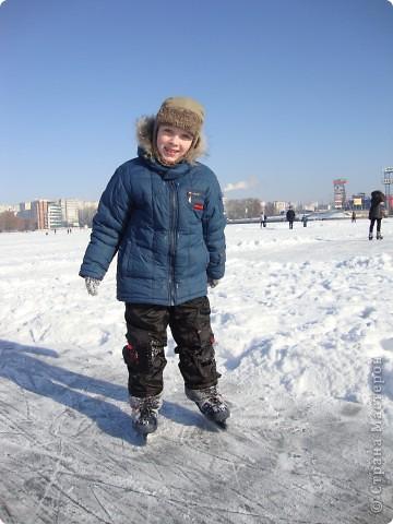 Вчера был замечательный солнечный морозный денёк))) Просто чудесно, что выпал он на субботу)) Решили мы выйти на каток, на нашу городскую речку.... фото 6