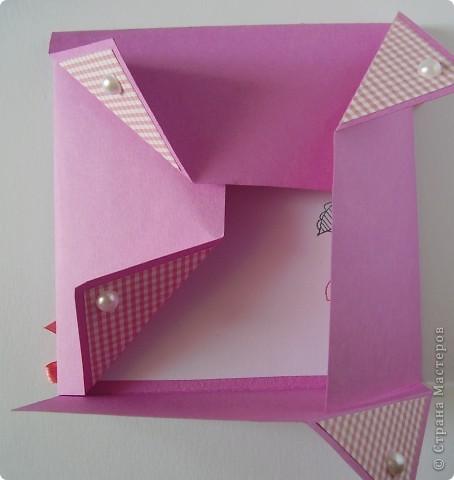 Первая открытка - раскладушка. Люблю открытки необычных форм :). Форма универсальная можно использовать для разных поводов и положить внутрь маленький подарочек.  фото 2