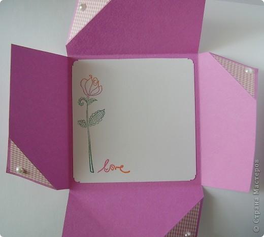Первая открытка - раскладушка. Люблю открытки необычных форм :). Форма универсальная можно использовать для разных поводов и положить внутрь маленький подарочек.  фото 3