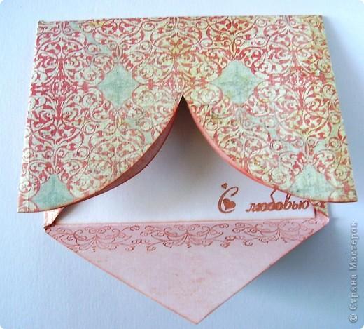 Первая открытка - раскладушка. Люблю открытки необычных форм :). Форма универсальная можно использовать для разных поводов и положить внутрь маленький подарочек.  фото 10