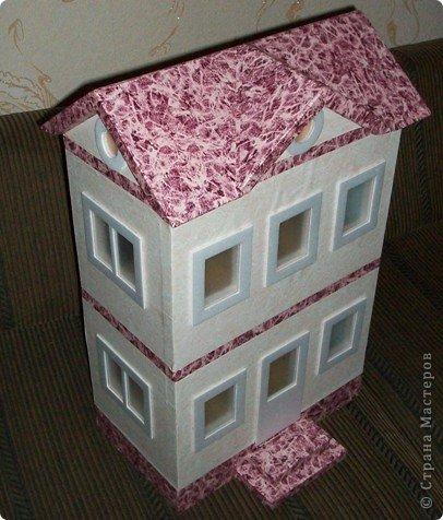 Вот такой небольшой домик сделали  для детей детского сада. фото 1
