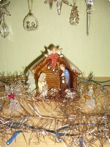В этом году свою лесную красавицу нарядила исключительно новогодними игрушками из соломки. фото 15