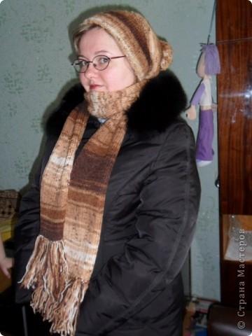 Шапочка и шарфик спицами фото 1