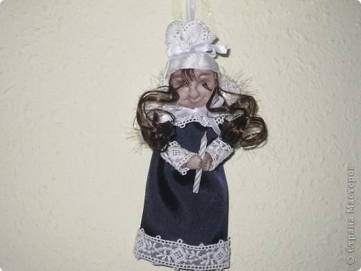 Сплюшку дочка назвала Энджл.Как я не старалась,но подушечку Энджл держать не хотела,а вот свечку сразу ухватила! фото 1